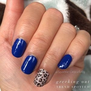 Color Street Makeup - COLOR STREET Greeking Out Nail Strips
